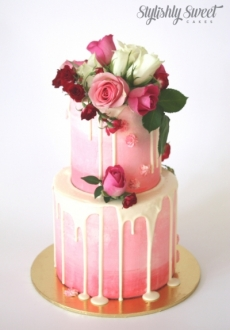 pink ombre buttercream roses cake 1
