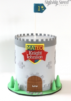 Knight tower cake_01