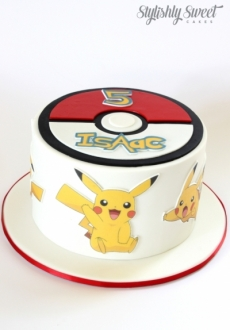 POKEMON CAKE simple