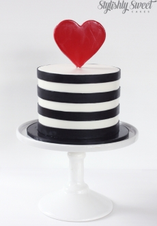 Black and white heart engagement cake_02