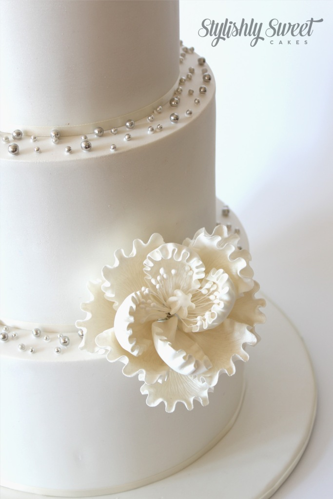 silhouette wedding cake_2